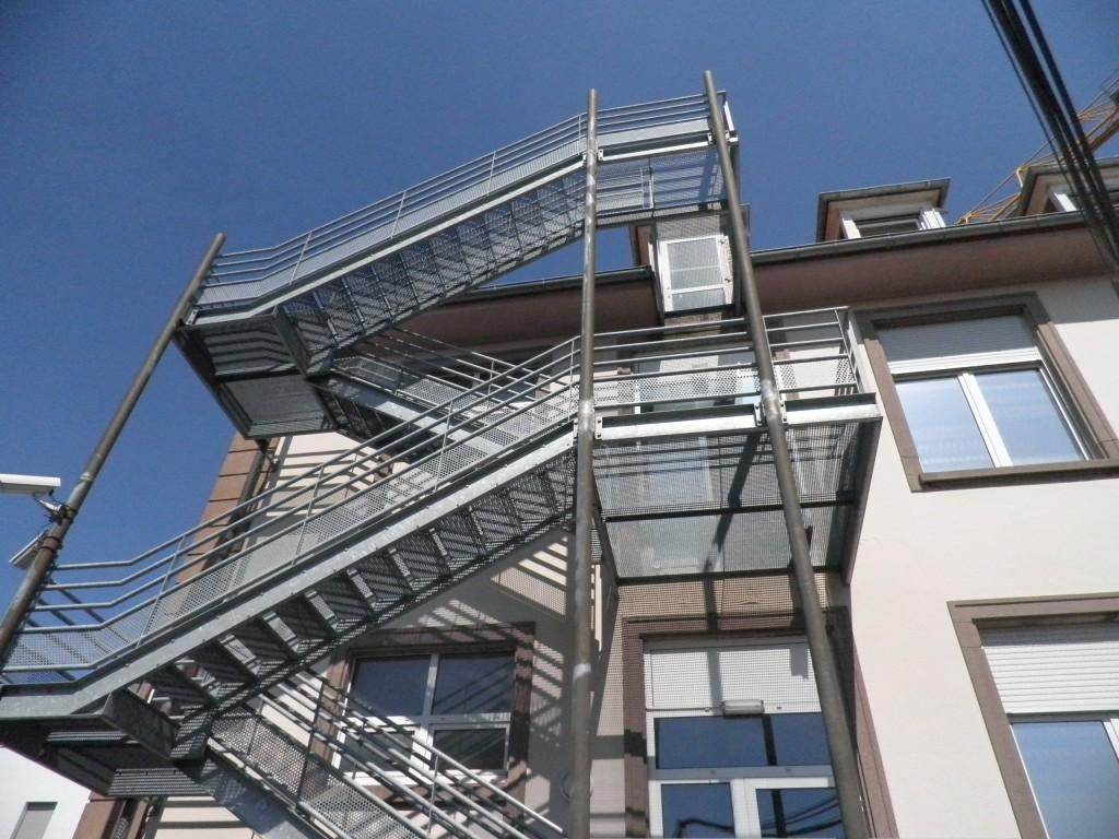 Hopital - Pfastatt - Serrurerie et métallerie : escalier extérieur - Muller Rost