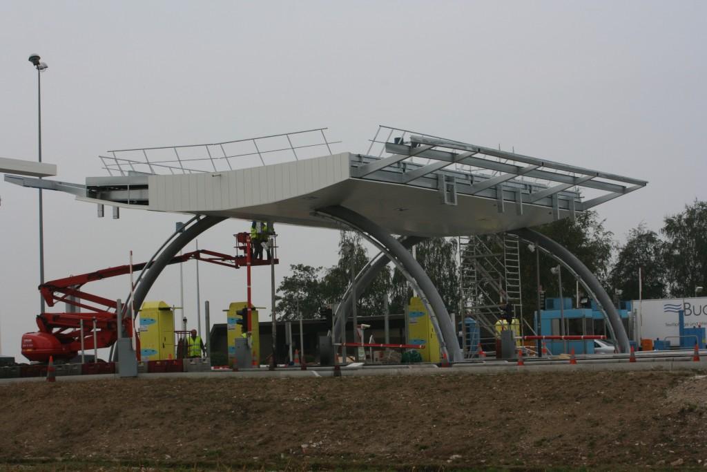 Ouvrage de structure métallique : auvent péage autoroutier phalsbourg - entreprise Muller rost